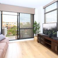 Vibrant inner-city living - Darling Harbour fringe