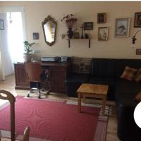 Sunny, central 2 bedroom apartment