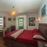 Apartments Miona
