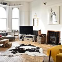Modern 2 Bedroom Flat in Hove Seafront