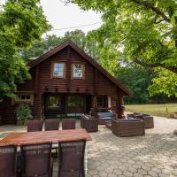 Cottage Villa Wood