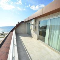 Luxurious Penthouse Sea-line