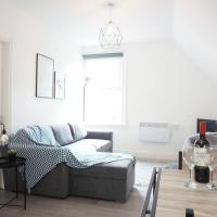 Modern & Bright Loft Apartment in the of Moseley