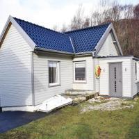 One-Bedroom Apartment in Hellvik