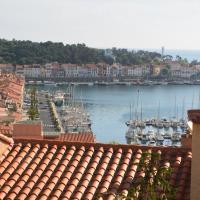 Appartement Port-Vendres, magnifique vue sur port, mer, montagne. Terrasse de 30m2
