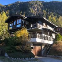 Chalet au Paradis with great views, hot tub, sauna & garden