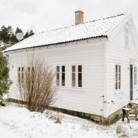 Three-Bedroom Holiday Home in Mandal