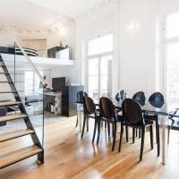Spacious flat-apartment with awesome street view