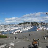 Beau studio face au port