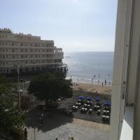 Large beachfront apartment Medano
