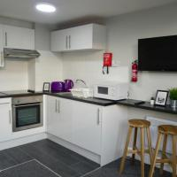 Bright Apartment for 6 by Bute Park