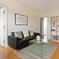 Cosy 4 Sleeper w/ Stunning Loft Room in Kensington
