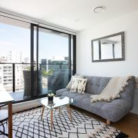 BRAND NEW Studio apartment in Central Queen Street