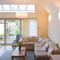 Stunning and Spacious 3 Bedroom House With Garden