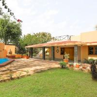 2-BR farmhouse with private pool