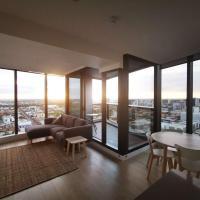 Modern CBD Apartment with Panoramic View