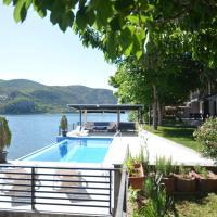 Villa Tikvesh Lake