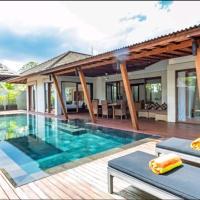 Casa Bianca 2BR Luxury Villa at Seminyak