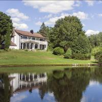 Farm Road Estate - Stunning Modern Farmhouse w/ Private Lake