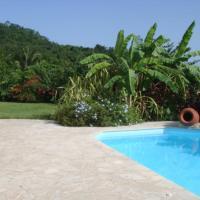 Bungalow et piscine vue mer