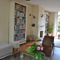Lovely family home in city centre Alkmaar with park view