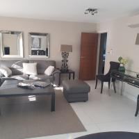3 bed rooms Apartment all ensuite St Johns wood with Parking 5 Stars Hotel Quality
