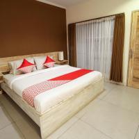 OYO 817 Mesari Beach Inn