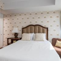 Classic Two-Bedroom Condo (York & Gardiner)
