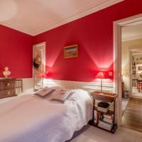 Beautiful Parisian Apartment for 3 persons