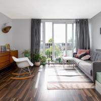 Modern Flat in Nunhead by GuestReady