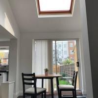 Fully serviced modern apartment Apt2