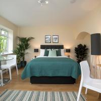 Swiss Cottage - Large, Private Balcony Room
