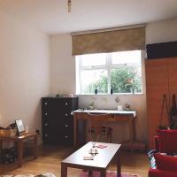 Cozy Double room with sofa in stoke newington