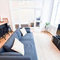 Black Swan Luxury Apartment