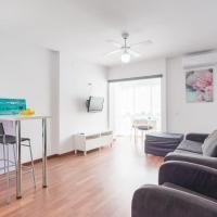 'IRIS' Apartment: Pools, Gardens & 24h Reception
