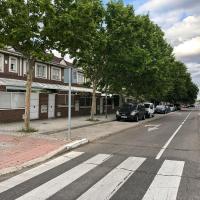 Habitación en chalet a 7 kms del aeropuerto 8 kms centro