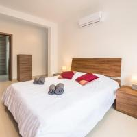 Luxurious double bedroom with private toilet ensuite in Gzira 5 min to the sea