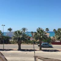 Flat with sea views 200m from the beach