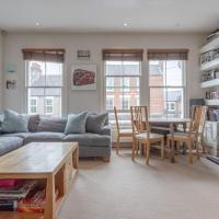 Modern Maisonette Southfields London