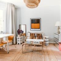 Cosy, bright newly renovated apartment