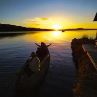 Uros Caminos del Titicaca Peru