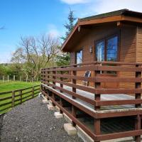 2 Bedroom Lodge on Farm with beautiful valley views and walks