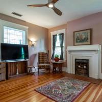 Spacious Apartment in Historic Home Near Atlanta Airport