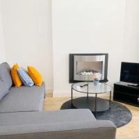 Bright Modern London Apt1/ with private parking!