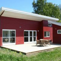 Two-Bedroom Holiday home in Gudhjem 2