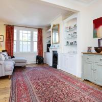 Characterful 2 double bedroom Fulham cottage.