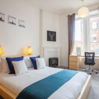 Bright 2bed apartment, stones-throw from centre