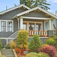 Classic Craftsman - 3 Bed 2 Bath Vacation home in Green Lake