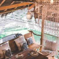 All inclusive surf lodge: Driftwood Mentawai