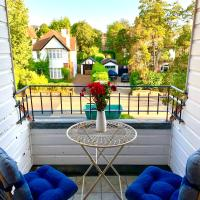 2 Bed Penthouse in Penn Hill